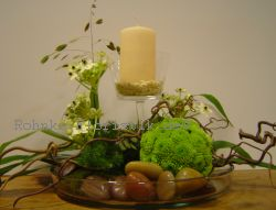 Glasschlale mit Kerze